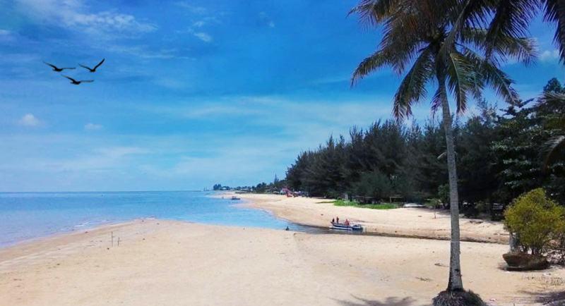 Pantai Monpera 1