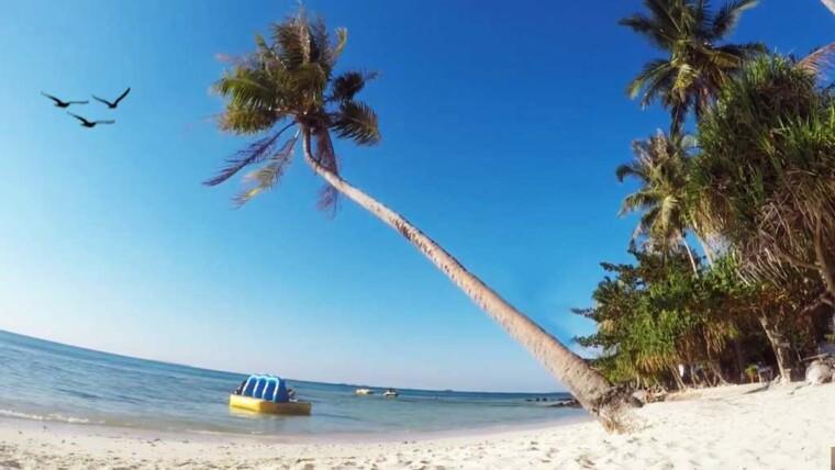 Pantai Pulau Cemara Di Karimunjawa
