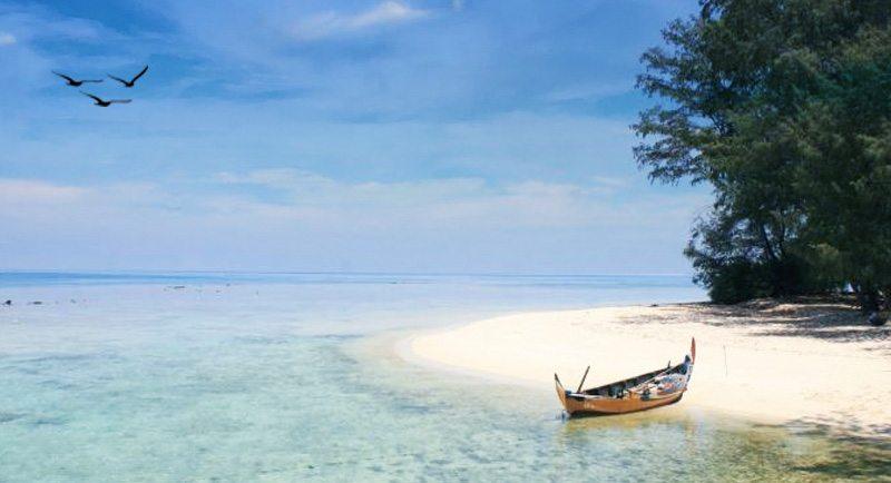 Pantai Pulau Geleang Karimunjawa