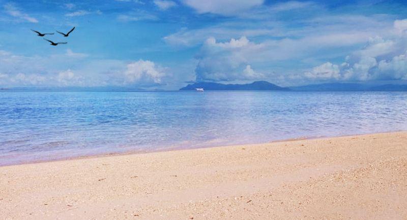 Pantai Toronipa Soropia
