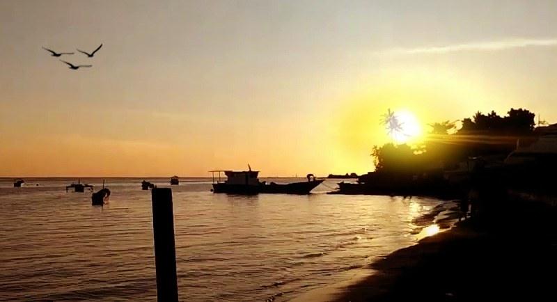 Sunset Di Pantai Fitu