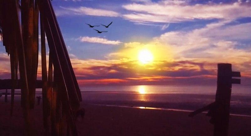 Sunset Di Pantai Kaluku