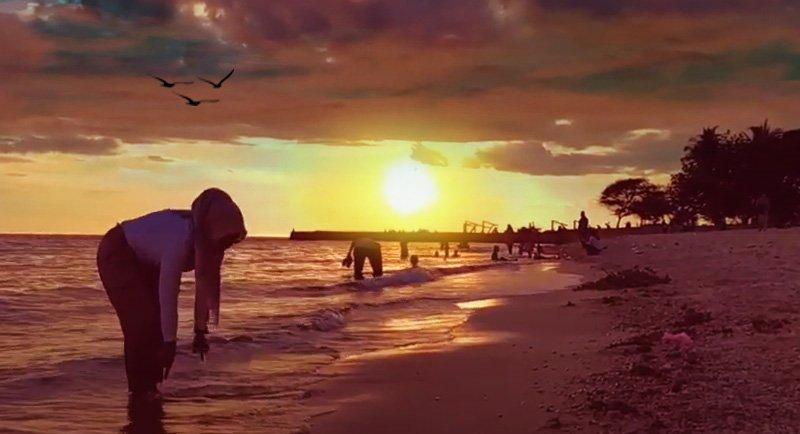 Sunset Di Pantai Kurenai