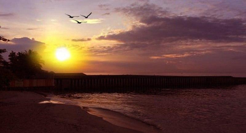 Sunset Di Pantai Monpera Balikpapan