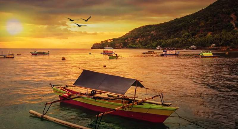 Sunset Di Pantai Olele