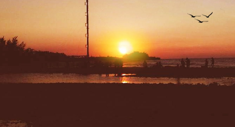 Sunset Di Pantai Remen