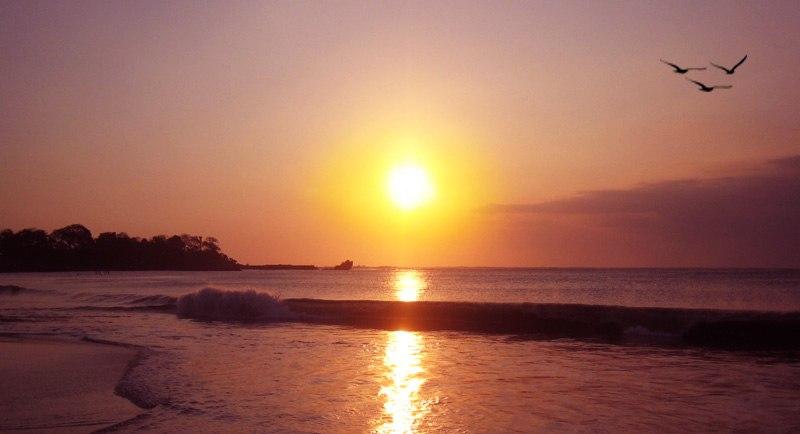 Sunset Di Pantai Santolo