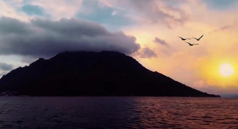 Sunset Di Pantai Sulamadaha