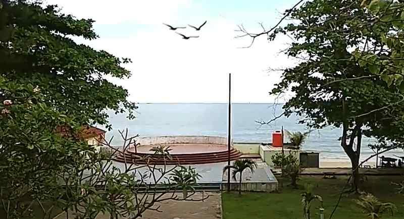 Taman Pantai Monpera Balikpapan