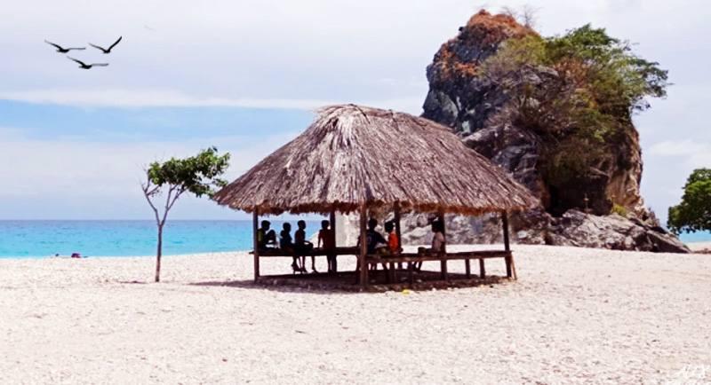 Wisata Pantai Kolbano Ntt