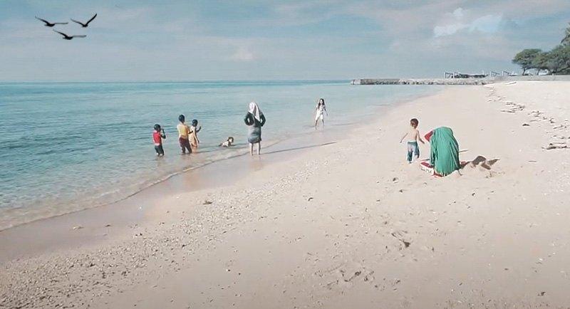 Wisata Pantai Kurenai Gorontalo