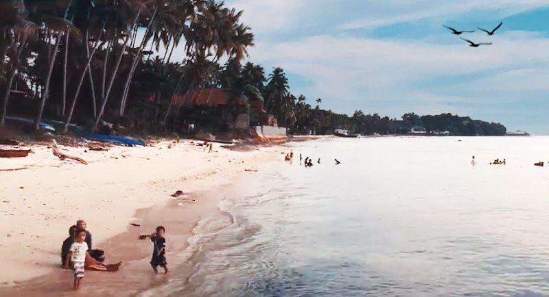 Wisata Pantai Lakeba
