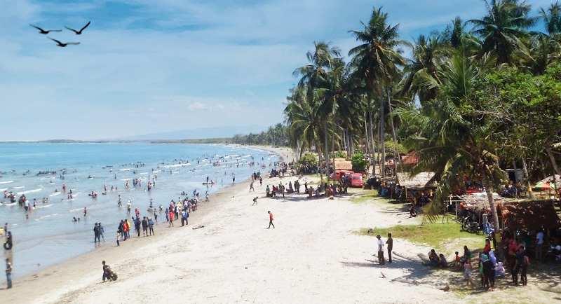 Wisata Pantai Mampie