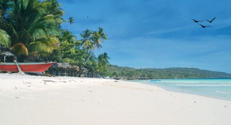 Wisata Pantai Nirwana Baubau