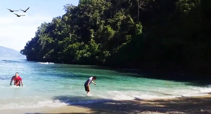 Wisata Pantai Pasir Dua