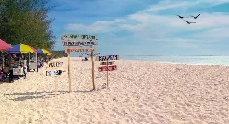Wisata Pantai Remen Tuban