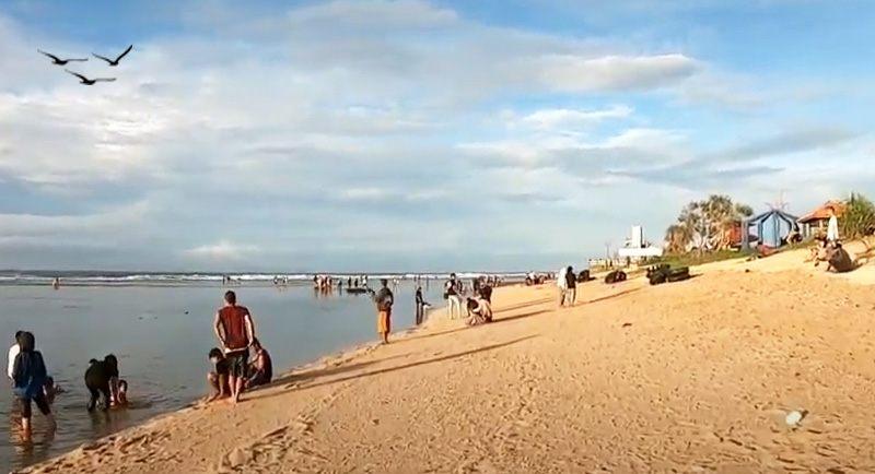 Wisata Pantai Sayang Heulang Garut