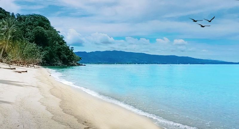 Wisata Pantai Sivalenta