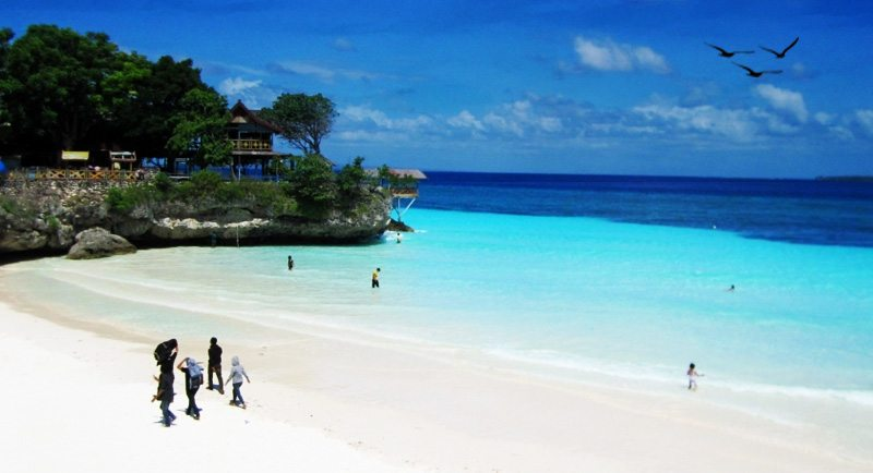 Wisata Pantai Tanjung Bira