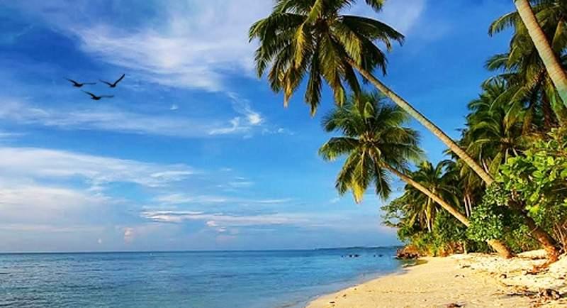 Wisata Pantai Tanjung Gelam Karimunjawa