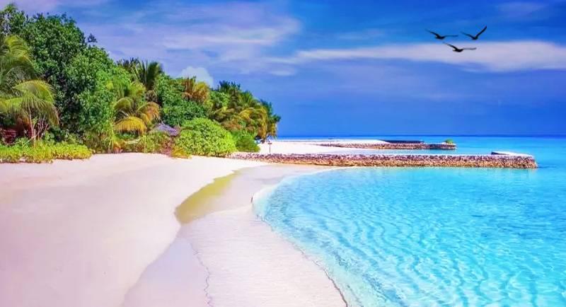 Wisata Pantai Tanjung Gelam