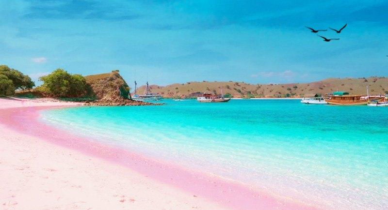 Wisata Pantai Tiga Warna Yang Indah