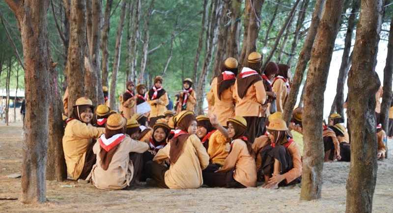 Wisata Pantai Mangrove Tuban
